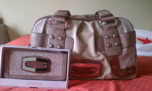 กระเป๋า GUESS KYM PURPLE BOX HANDBAG WITH MATCHING WALLET