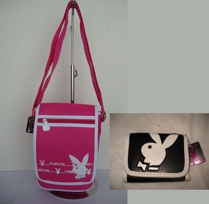 PLAYBOY LADIES HOT PINK MESSENGER BAG ขายคู่ กระเป๋าสตางค์ PLAYBBOY BI-FOLD WALLET