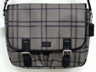 กระเป๋ารุ่น limited edition COACH MEN GREY PLAID CROSSBODY BAG 70460