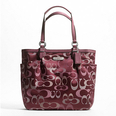 กระเป๋าสะพาย COACH SIGNATURE GALLERY OPTIC BORDEAUX TOTE 20442