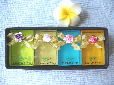 herbal soap 4 bars  in silk box