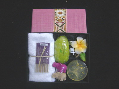 gift set spa in silk box 1