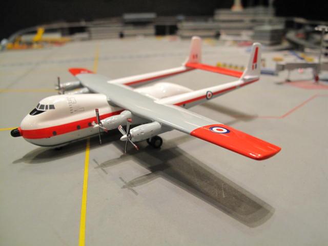 AVIATION 200 1:200 ROYAL AIR FORCE ARMSTRONG WHITWORTH AW-660 ARGOSY