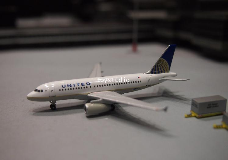 HERPA WINGS 1:500 United A319 N855UA HW526883