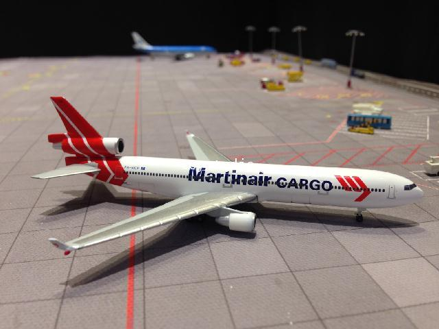 HERPA WINGS 1:500 Martinair Cargo MD-11F PH-MCP HW529730