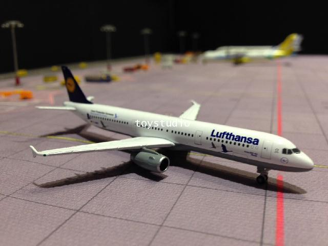 HERPA WINGS 1:500 Lufthansa A321 25 Years D-AIRR HW530491