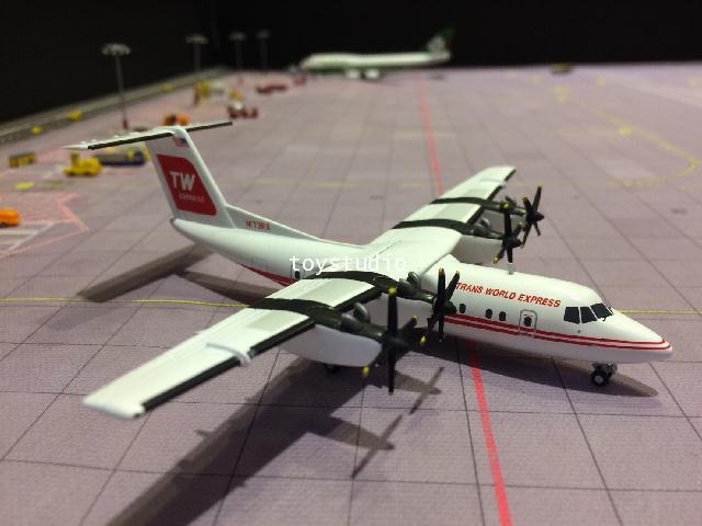 HERPA WINGS 1:200 Trans World Express DHC-7 N173RA HW599041