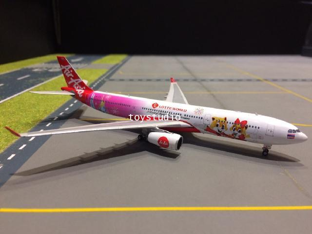 PHOENIX 1:400 Air AsiaX A330-300 HS-XTD Lotte World P4234