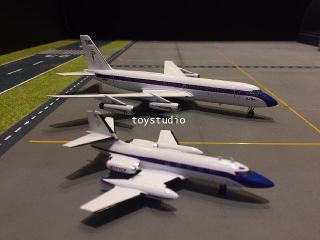 INFLIGHT 1:200 Elvis Set CV880  L-1329 TK0102