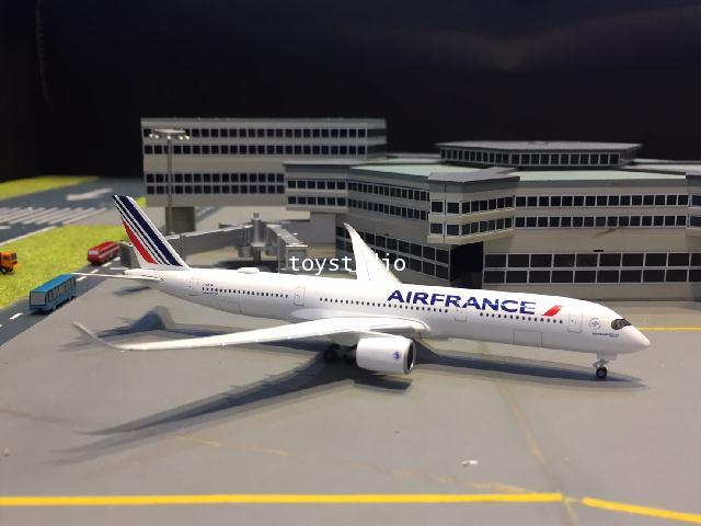 HERPA WINGS 1:500 Air France A350-900 F-HTYA HW533478