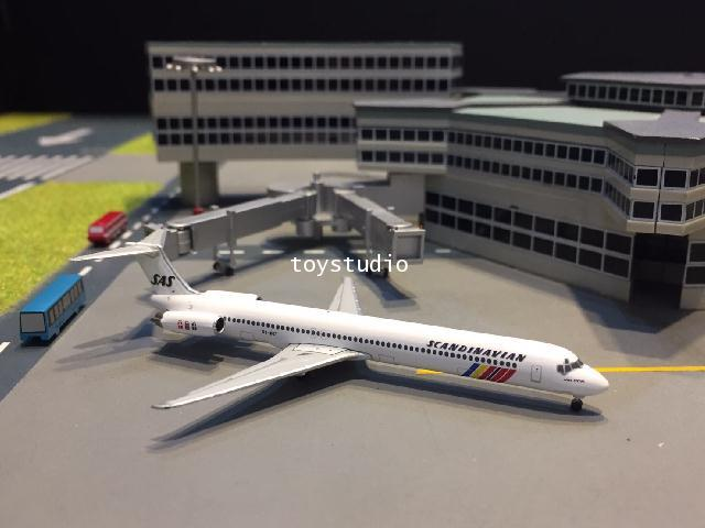 HERPA WINGS 1:500 SAS MD-82 Hake Viking OY-KGT HW533355