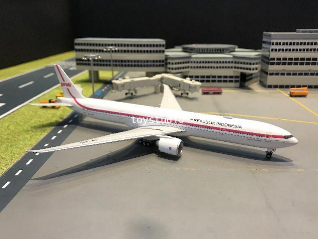 Phoenix 1:400 Indonesia 777-300ER PK-GIG PH1646