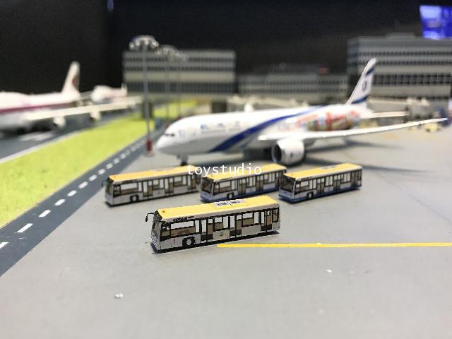 FantasyWings 1:400 HKIA Airport Bus X 4 AA4002