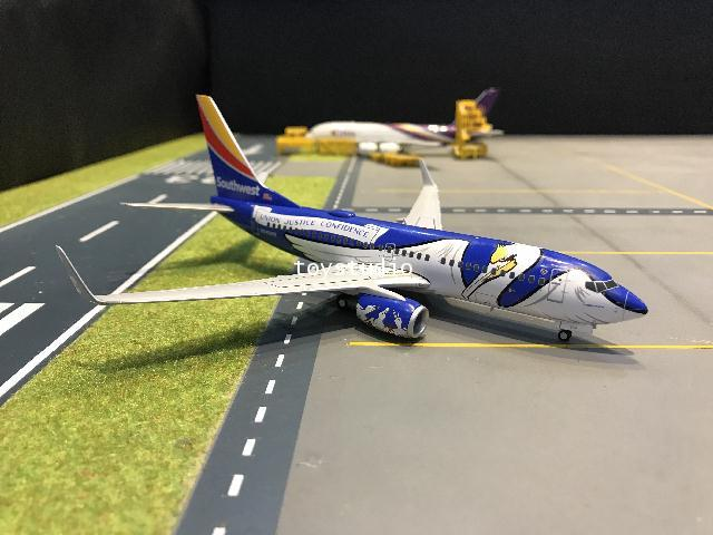 Gemini Jets 1:200 Southwest 737-700 N946WN Louisiana One G2926