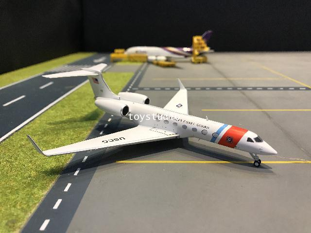 Gemini Jets 1:200 US Coast Guard C-37B G550 02 G2918