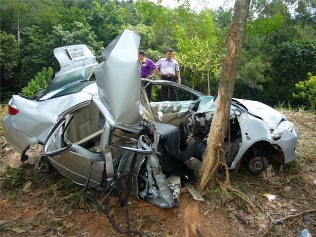 การแก้ปัญหาอุบัติเหตุเมื่อยางรถระเบิด & เมื่อรถตกน้ำ