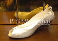 วิธีเลือกรองเท้าให้เข้ากับชุดราตรี,ชุดไปงานแต่งงาน
