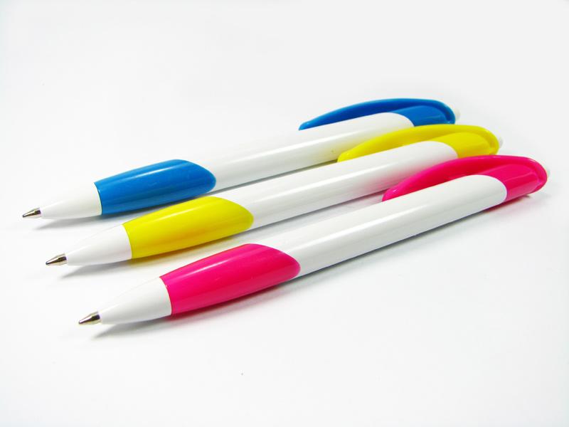 สินค้าพรีเมี่ยมปากกาพลาสติก