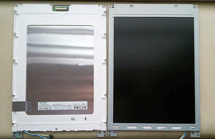 SHARP LCD PANEL LM64P30 LM64P302