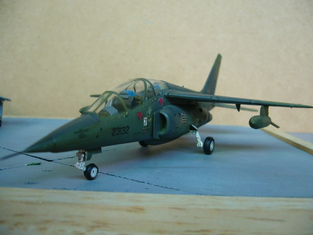 Alphajet RTAF with Gun Pod and Fuel Tank 1/72 Revell