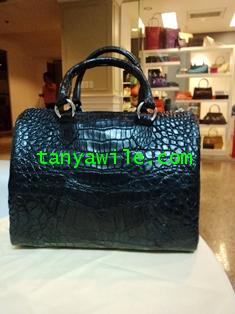 crocodile leather Carry-all medium size in black