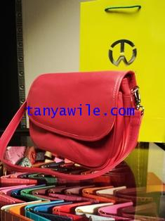 shoulder bag with flap in pink color soft calf skin