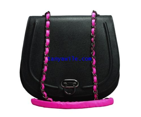 Classic flap with chain effects two tone with black saffiano leather and pink