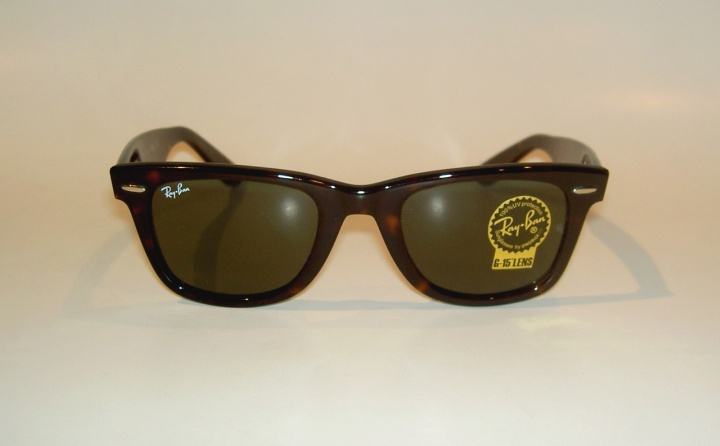 Ray-Ban Sunglasses Original Wayfarer RB 2140 902 (Hourly Sale)